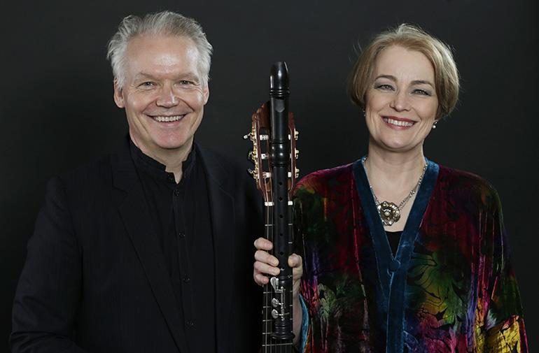 Michala Petri & Lars Hannibal i Østermarie Kirke